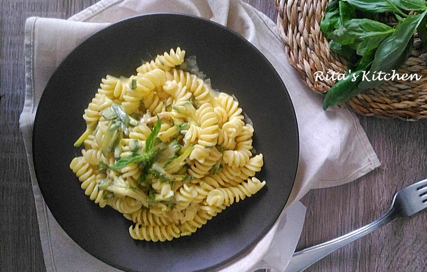 pasta fredda con zucchine e zafferano