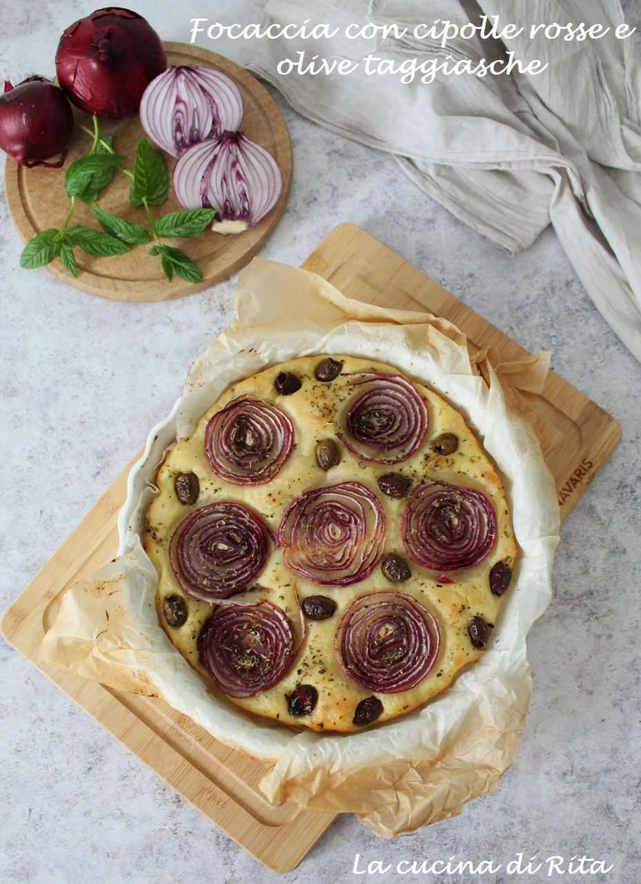 focaccia con cipolle rosse e olive
